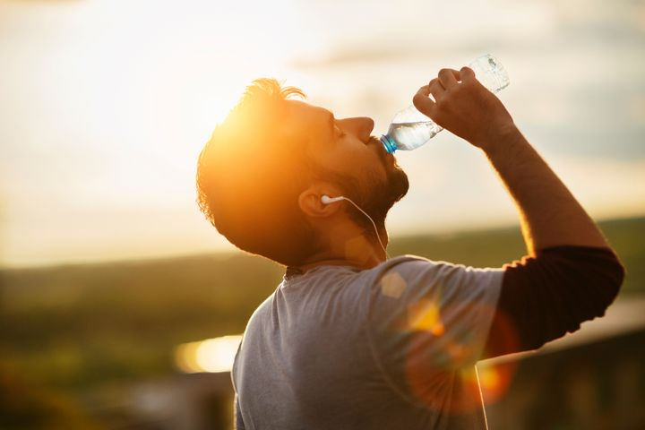 5 Benefits of Drinking Plenty Of Water
